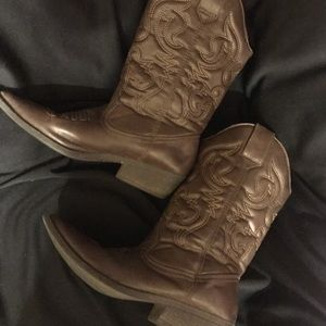 Brown Mossimo cowgirl boots size 81/2